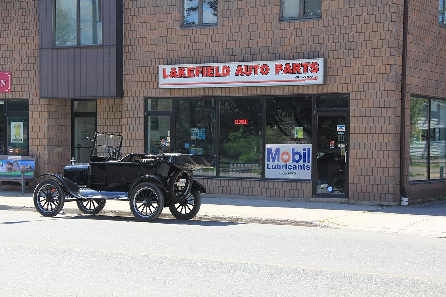 The Lakefield Auto Parts storefront